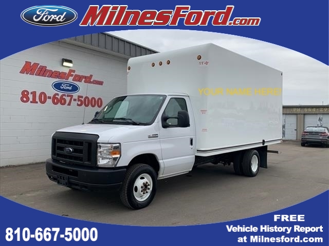 Pre-Owned 2018 Ford E-Series Chassis E-350 SD