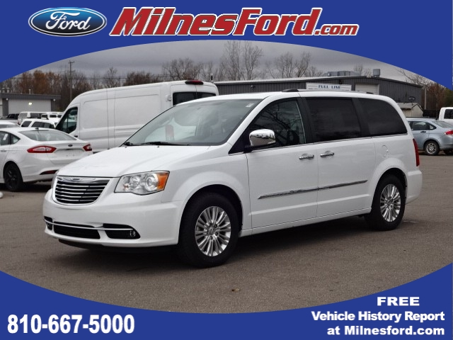 Pre Owned 2017 Chrysler Town Country Limited